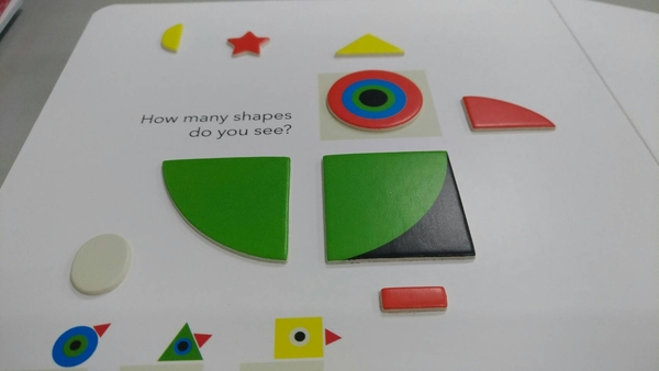 【高質感幼兒認知書】TOUCH THINK LEARN : SHAPES  /硬頁書 《主題:形狀》