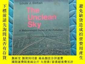 二手書博民逛書店the罕見unclean sky 【中文翻譯;不潔的天空】Y21