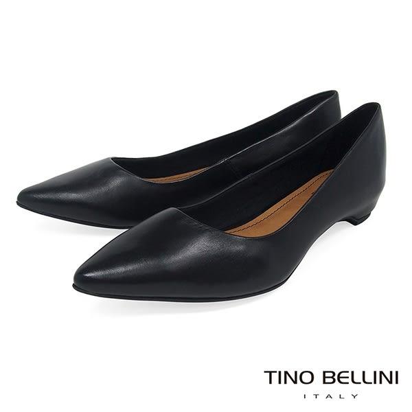 Tino Bellini 巴西進口純色雅緻氣質舒足低跟包鞋 _ 黑 TF8511 歐洲進口款