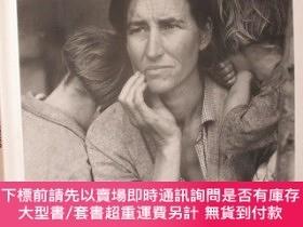 二手書博民逛書店Migrant罕見Mother: How a Photograph Defined (12開,精裝)Y2553