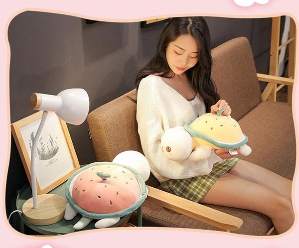 【40公分】水果烏龜娃娃 西瓜 鳳梨 玩偶 抱枕 靠墊 聖誕節交換禮物 生日禮物 辦公室ZAKKA擺設