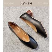 大尺碼女鞋小尺碼女鞋方頭復古V口素面粗跟中跟鞋高跟鞋包鞋工作鞋黑色(32-44)現貨#七日旅行