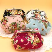 布藝玫瑰花 收納小包 零錢包 女士化妝袋 時尚手拿小包包【聚可愛】