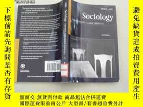 二手書博民逛書店Sociology【CONCEPTS罕見AND CHARACTE