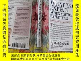 二手書博民逛書店WHAT罕見TO EXPECT WHENYOU RE EXPEC