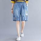 韓版破洞刺繡繫帶五分牛仔短褲(藍色M~X...