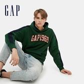 Gap男裝 Logo 1969碳素磨毛連帽休閒上衣 624872-松樹綠