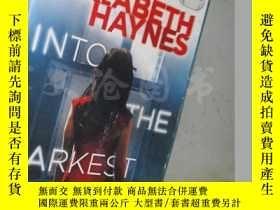 二手書博民逛書店Into罕見The Darkest Corner【32開 英文原版】Y16472 Elizabeth Hayn