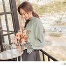 《AB14410》高含棉鏤空蕾絲立領珍珠釦泡泡袖剪裁上衣 OrangeBear