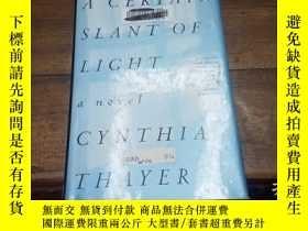 二手書博民逛書店A罕見CERTAIN SLANT OF LIGHT(有筆跡)Y2