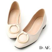 D+AF 都會首選.金色大圓環方頭低跟鞋*米白