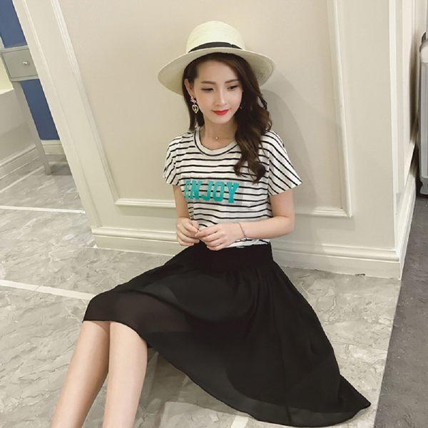 (現貨+預購 RN-girls)--簡約系雪紡拼接時尚條紋字母休閒短袖洋裝