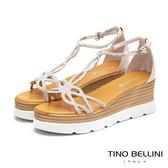Tino Bellini晶鑽浪漫線條楔型涼鞋_白  FS9002