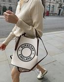 ■專櫃83折■ 全新真品■ Burberry 小型標誌圖案棉質帆布 Peggy 水桶包