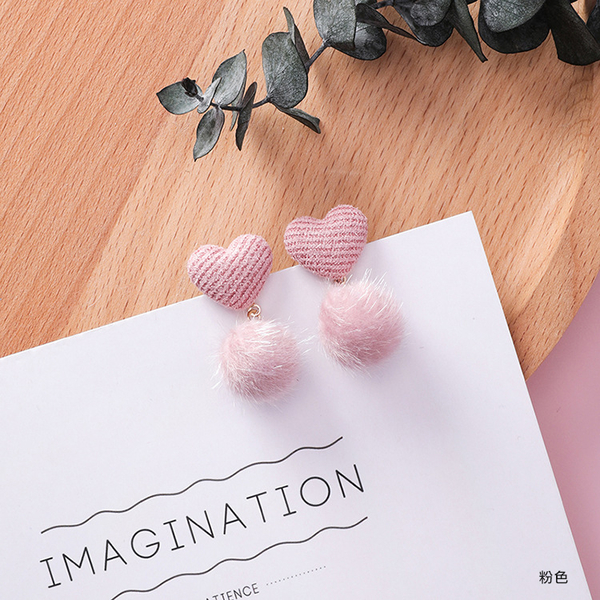 簡約氣質毛球耳環 耳針 (布愛心+毛球)  MSZ9508-L