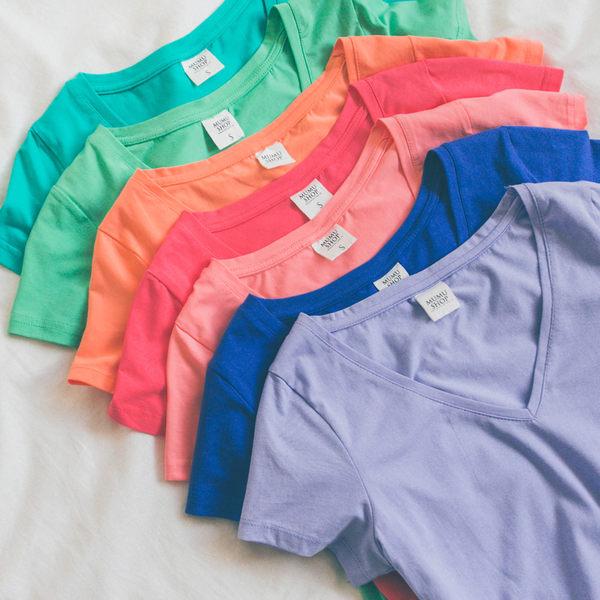 MUMU SHOP【T13625】夏日百搭必備。彈力V領合身顯瘦舒適涼感素面T恤上衣