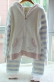 La Luna 精品睡衣 日系睡衣新款軟綿毛巾料粉藍條紋連帽外套+長褲居家服套裝