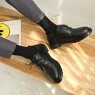 夏季青年西裝圓頭鞋男商務正裝黑色小皮鞋大頭鞋韓版馬丁靴潮學生 蘿莉小腳丫