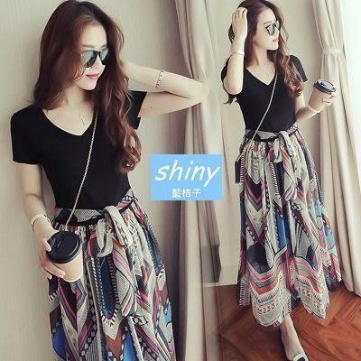 【V1061】shiny藍格子-自然微風.純色小V領綁帶短袖連身裙