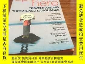 二手書博民逛書店Spoken罕見here Travels among threatened languagesY429456