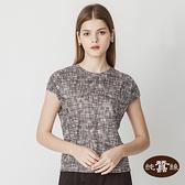 【岱妮蠶絲】透氣舒適法式袖女蠶絲鳳眼上衣(黑米格線)