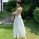 露背洋裝拍照衣服海邊巴厘島三亞沙灘裙性感露背度假長裙緞面吊帶連身裙女 愛丫 免運