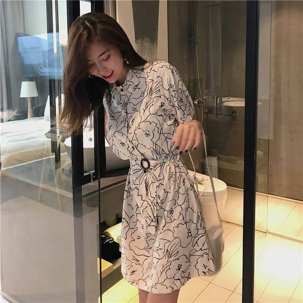 VK旗艦店 韓系印花綁帶收腰顯瘦線條花短袖洋裝