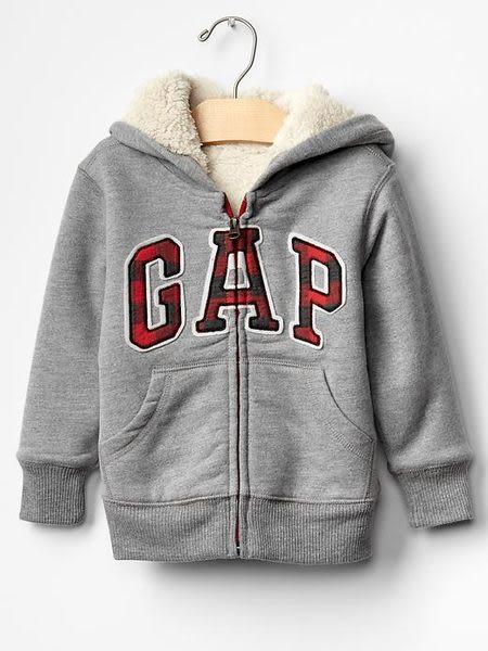 【BJ.go】美國GAP童裝_Sherpa arch logo zip hoodie__GAP經典仿皮LOGO鋪毛連帽外套