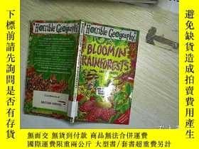 二手書博民逛書店Bloomin罕見Rainforests (Horrible G