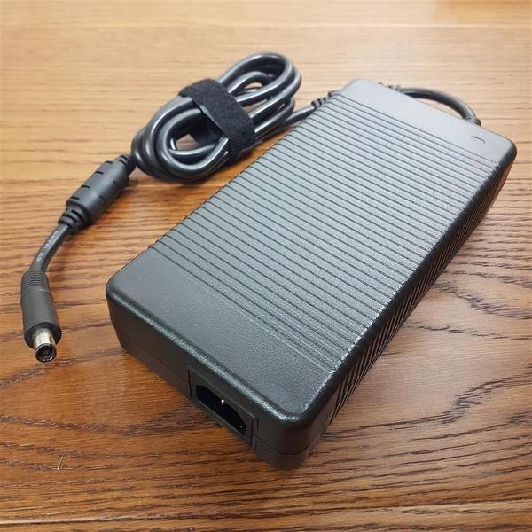 ASUS 230W 高品質 圓孔帶針 變壓器 HP Chromebook 14 Pavilion 10 X2 MSI GFX72V GE62MVR G752VS