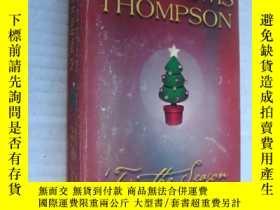 二手書博民逛書店英文原版愛情小說罕見It is the season (he h