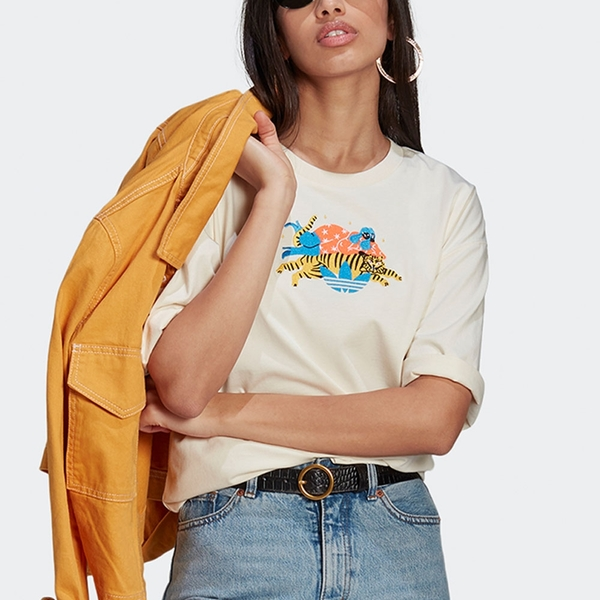 ADIDAS ORIGINALS ESSENTIALS X EGLE 女裝 短袖 T恤 休閒 聯名 動物 純棉 米【運動世界】GN4785