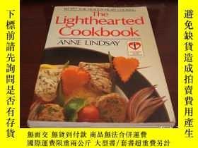 二手書博民逛書店The罕見Lighthearted Cookb ook: Recipesfor HealthyHeart Cook
