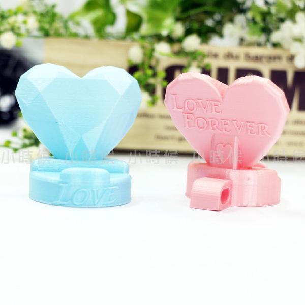 ☆小時候創意屋☆ 愛心 婚禮小物 手機架 名片架 卡架 展示架 創意小物 創意禮物 送客禮 3D列印