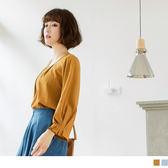 《AB7941》胸前打褶造型袖口條紋上衣 OrangeBear