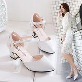 低跟涼鞋春季新品正韓百搭女式中空尖頭粗跟單鞋一字扣中跟高跟鞋女夏 ?色34-40(限時八八折)