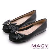 MAGY 甜美新風貌 真皮鑽飾蝴蝶結平底娃娃鞋-黑色