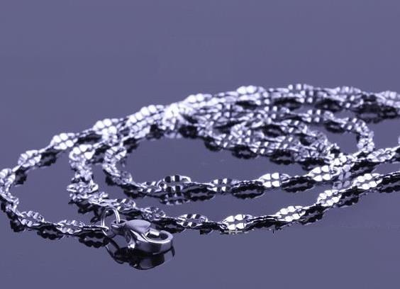 時尚西德白鋼項鍊鏈子批發 ~ 嘴唇鏈蝴蝶鏈