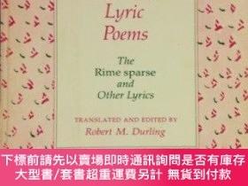 二手書博民逛書店Petrarch s罕見Lyric PoemsY255174 R Durling Harvard Univer