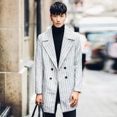 風衣外套-英倫時尚紳士翻領中長版條紋男大衣73ip65【時尚巴黎】