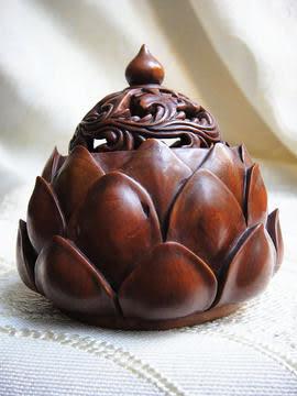 小葉黃楊木蓮花香爐雕件