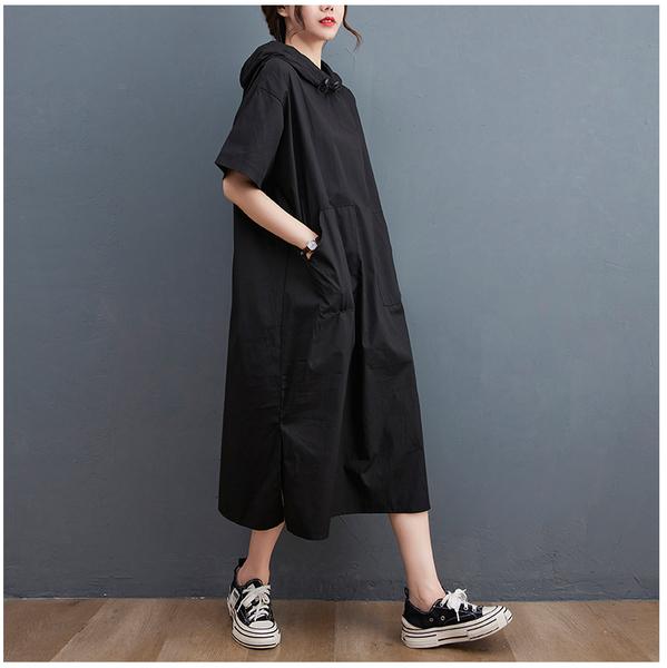 【YOUNGBABY中大碼】左右大口袋黑色連帽A字下開叉洋裝