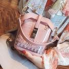 夏天水桶高級感網紅小眾包包女新款透明洋氣果凍2020潮斜背包 童趣屋