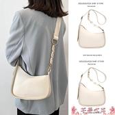 斜背包今年流行高級感小眾白色小包包女夏2021新款潮時尚百搭側背斜背包 芊墨