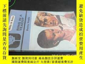 二手書博民逛書店RING罕見IN A TEACUP(羅廷亮藏書)5919