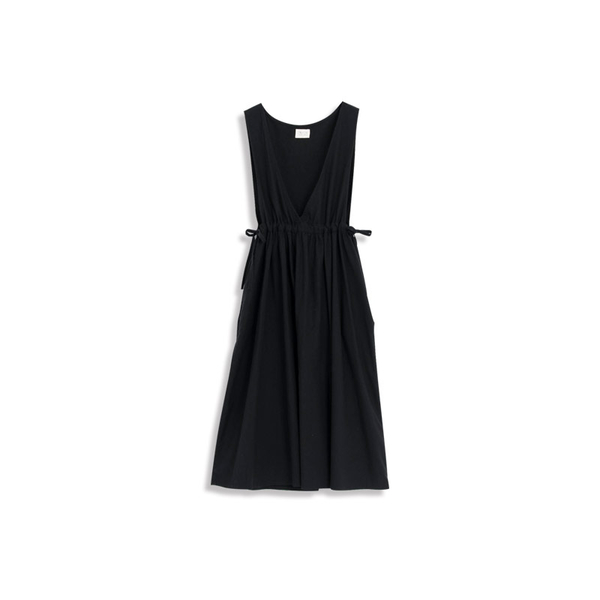 Queen Shop【01084836】大V領綁帶背心洋裝 兩色售*現+預*