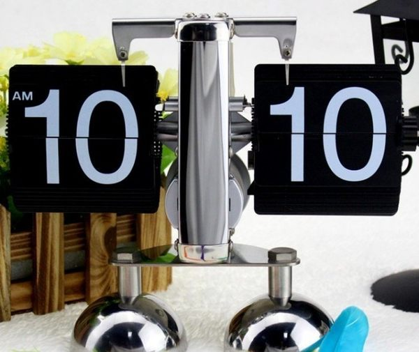 復古設計翻頁鐘 天秤鐘自動翻頁時鐘 金屬齒輪鐘創意機械鐘裝飾 設計師最愛(雙腳)