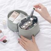 【超取399免運】ins旅行簡約便攜圓柱形手提大容量化妝包 洗漱收納包