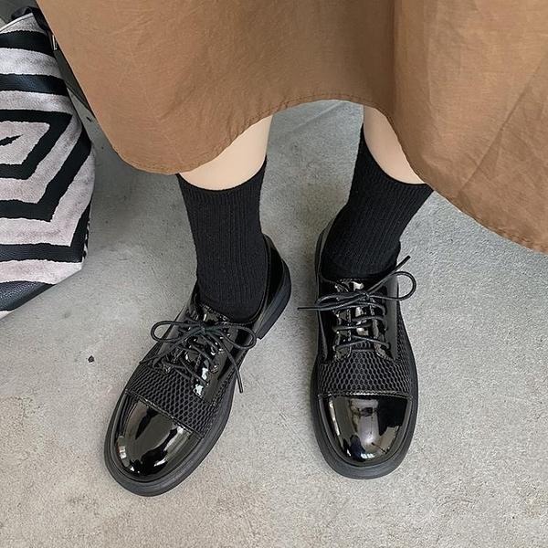 牛津鞋 復古英倫風小皮鞋女2021春夏季新款百搭網面透氣鏤空松糕低跟單鞋 夢藝家
