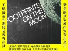 二手書博民逛書店FOOTPRINTS罕見ON THE MOON(月球上的足跡,彩